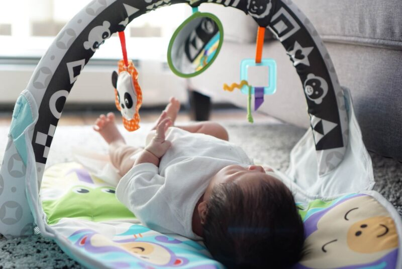 新生児のアクティビティジム